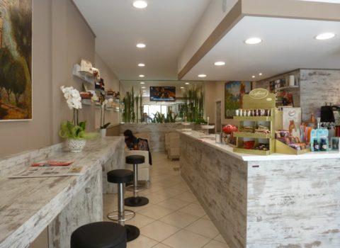 Allestimento negozi bar e pasticcerie ristoranti industria for Arredamento salumeria