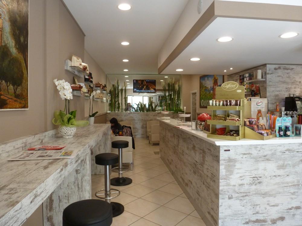 Europroject arredamento e attrezzature negozi lecce for Negozi di arredamento taranto