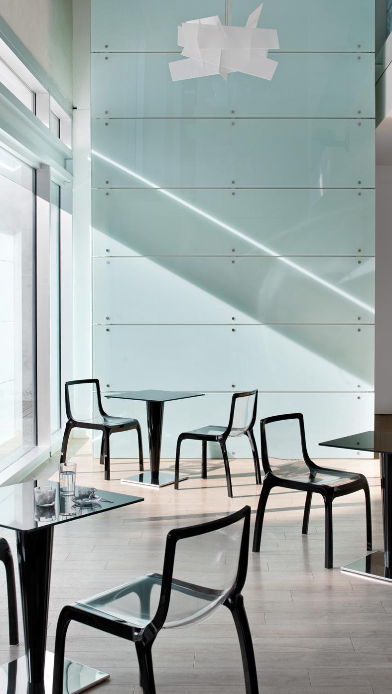 Sedie tavoli sgabelli poltrone illuminazione lecce for Arredo bar lecce